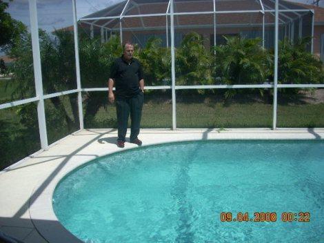 Casas con piscina en cape coral financiadas ventas de for Piscinas financiadas